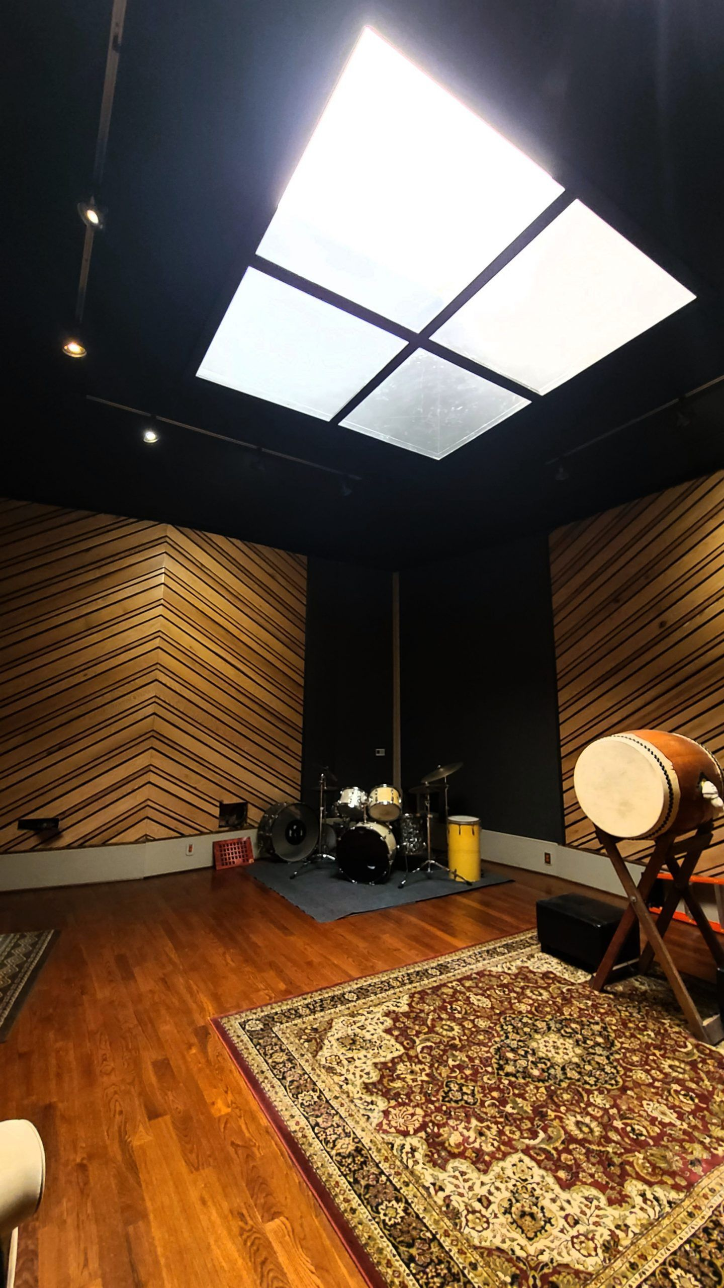 1000 sq. ft. Recording Stage at Mixers Sound, North Hollywood.